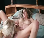 Mom gets offered a lot of money to do a cam show with her daughter