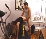 Her personal trainer thumps her cunt after workout