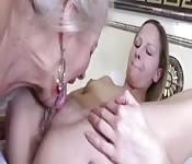 Granny eats pussy