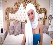 Arab hijab babe masturbates