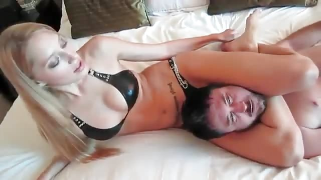 Rough pussy play