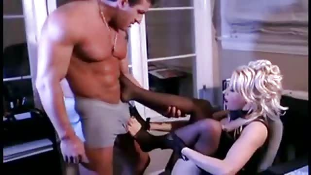 Baise Au Bureau Avec Une Blonde Canon Porndroids Com
