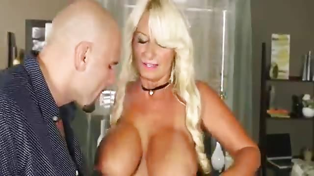 Milf with nice tits rides the cock