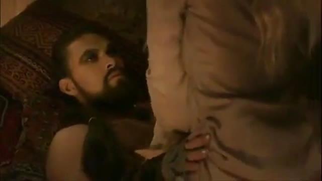 Gioco di troni scena di sesso lesbico