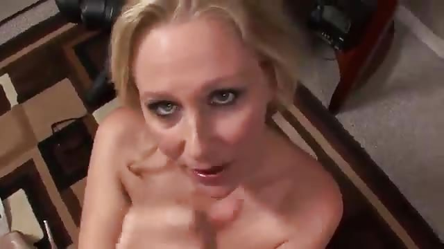 Blonde milf wants to suck some cock