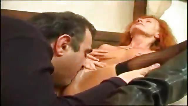 rousse milf baisee par un homme plus age