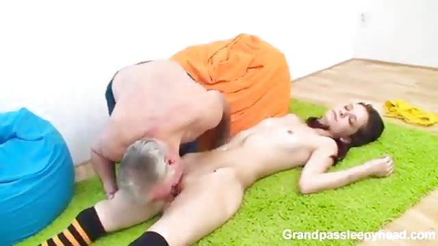slapende tiener porno Videos