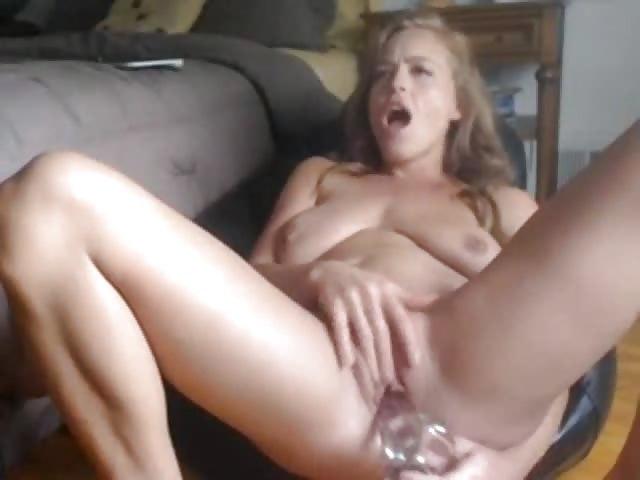 Big busty milf masturbates on webcam