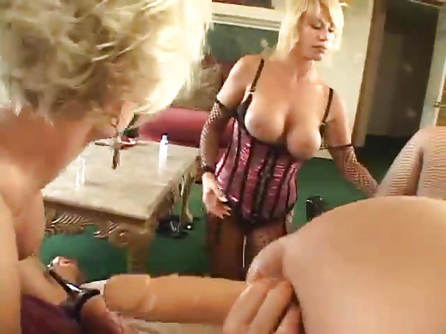 Lesbea sexx orge videi