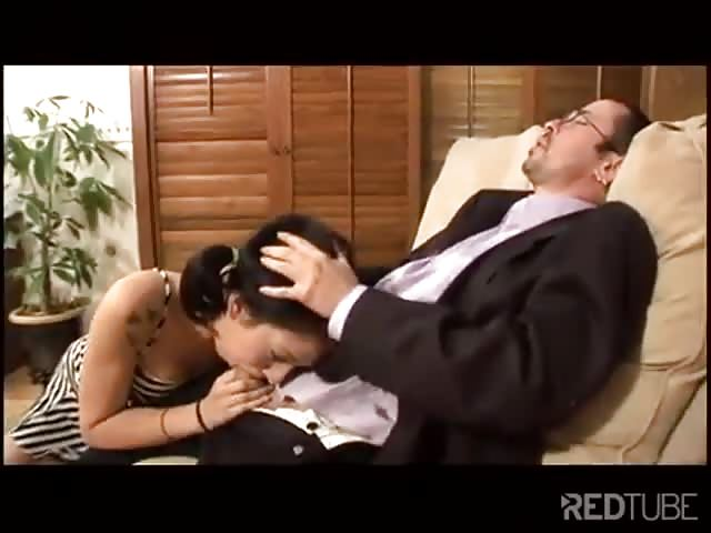 Guarda Mamma e figlia con il loro avvocato su il miglior sito di porno hardcore.