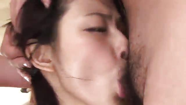Femmes asiatiques grosses queues