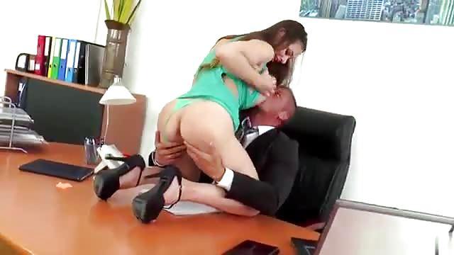Cartoni animati avendo sesso anale