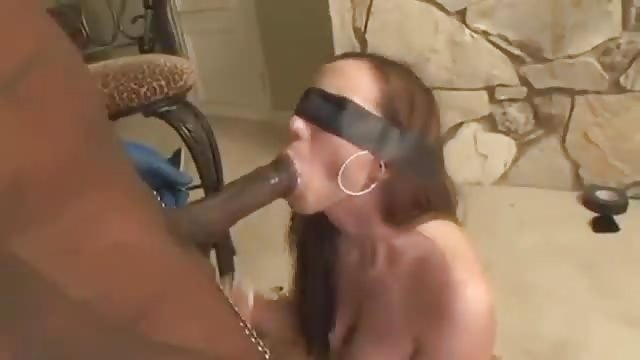 Bored Housewife-An Interracial BBC Cuckold Story: A Big Black Cock Gangbang.