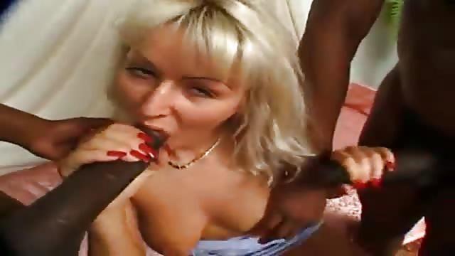 sesso lesbico con il cazzo