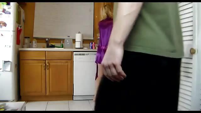 Good Blonde MILF Wird In Der Küche Gefickt