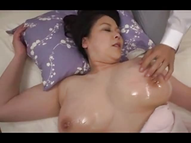 Belle milf a gros seins