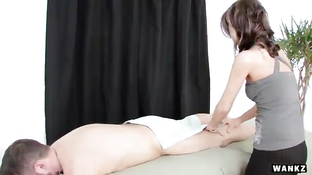Slutty masseur fucking his client