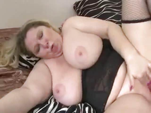Attrapé ma mère porno
