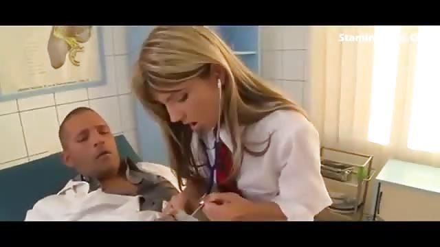 Beim Arzt Gefickt