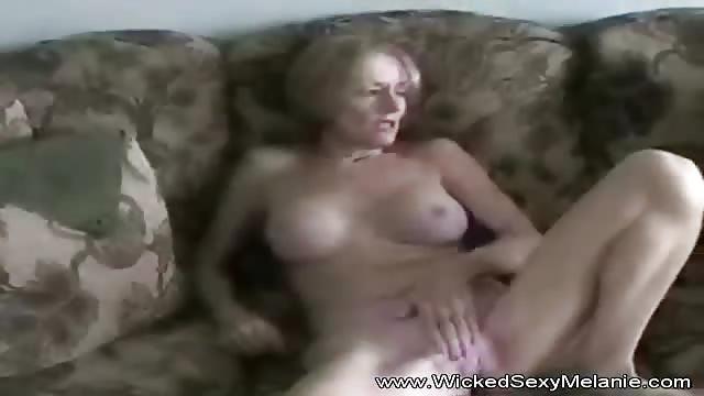 Mama beim erwischt von wichsen Von Stiefmama