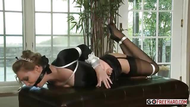 Teen cameriera porno